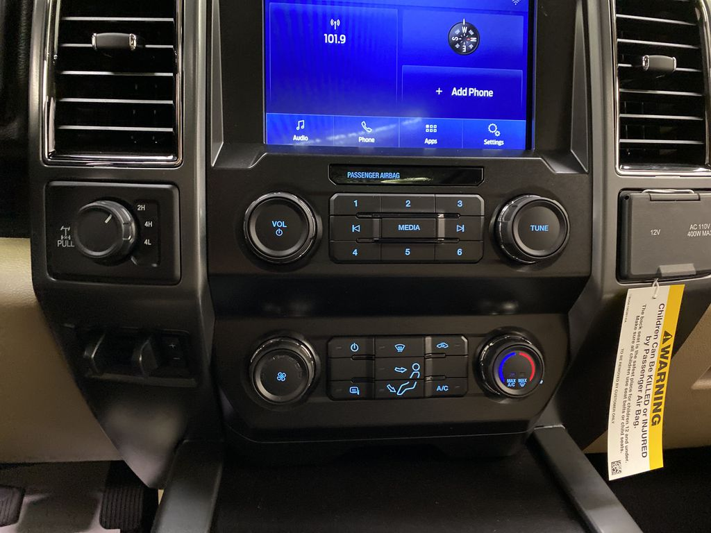 Silver[Iconic Silver Metallic] 2020 Ford Super Duty F-350 SRW Central Dash Options Photo in Dartmouth NS