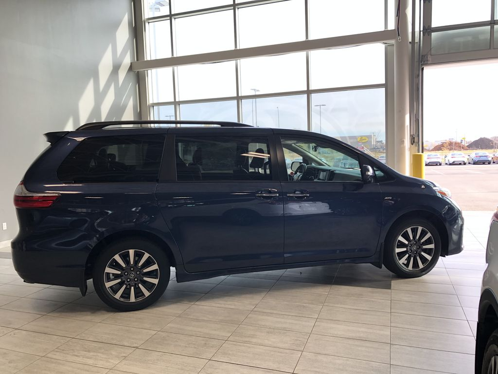 Blue 2019 Toyota Sienna Limited 7-Passenger | Toyota Certified Right Rear Corner Photo in Edmonton AB