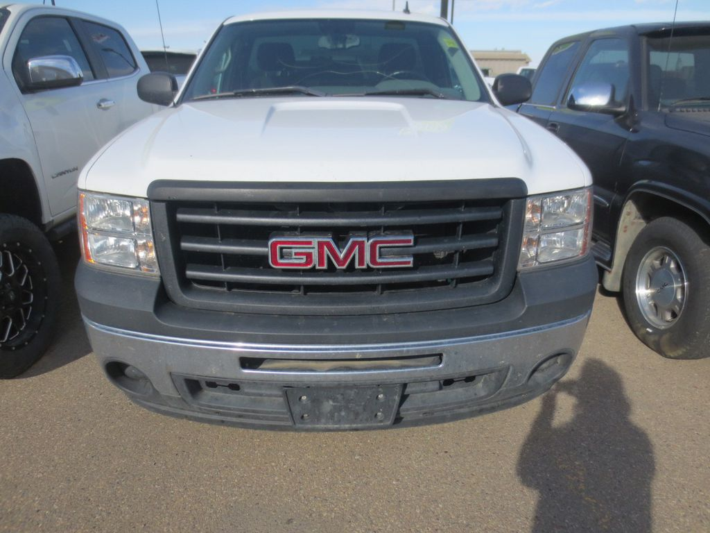 White 2013 GMC Sierra 1500 Left Front Rim and Tire Photo in Lethbridge AB
