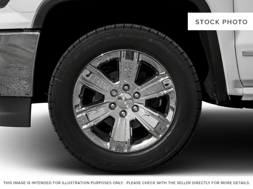 White[White Frost Tricoat] 2017 GMC Sierra 1500 Left Front Rim and Tire Photo in Fort Macleod AB