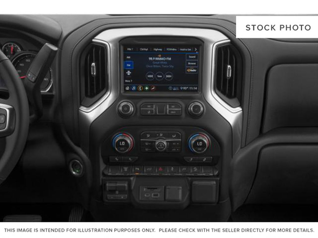 White[Iridescent Pearl Tricoat] 2020 Chevrolet Silverado 3500HD Radio Controls Closeup Photo in Fort Macleod AB
