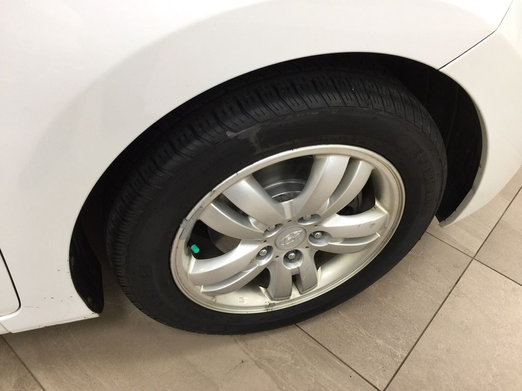 White[Ice White Pearl] 2015 Hyundai Elantra GL Right Front Rim and Tire Photo in Sherwood Park AB