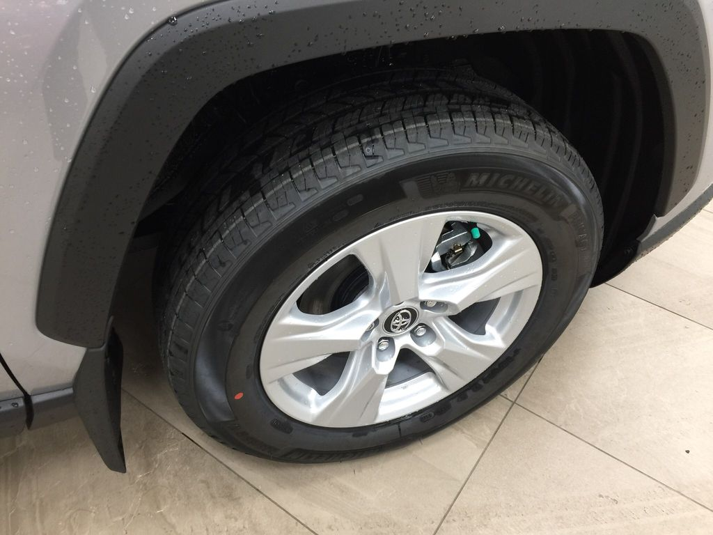 Silver[Silver Sky Metallic] 2021 Toyota RAV4 XLE FWD Right Front Rim and Tire Photo in Sherwood Park AB