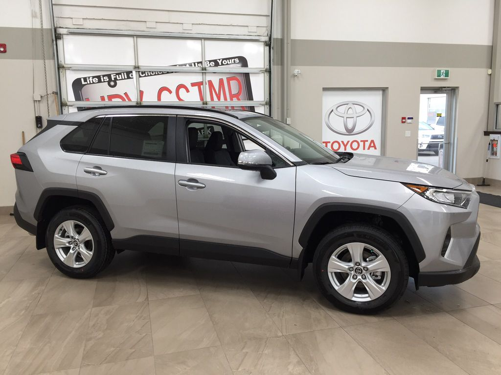 Silver[Silver Sky Metallic] 2021 Toyota RAV4 XLE FWD Right Side Photo in Sherwood Park AB