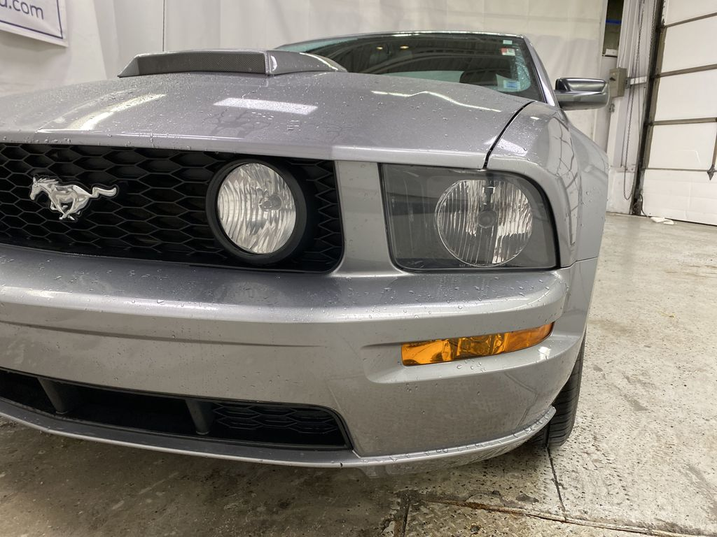 2006 Ford Mustang Left Front Head Light / Bumper and Grill in Dartmouth NS