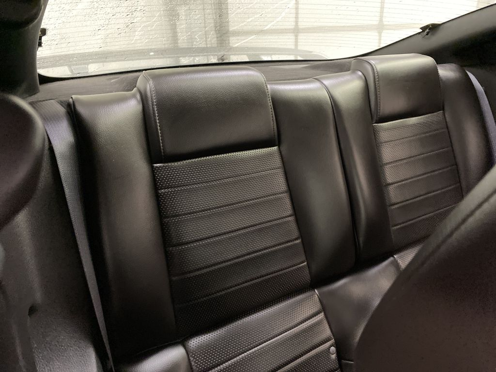 2006 Ford Mustang Right Side Rear Seat  Photo in Dartmouth NS