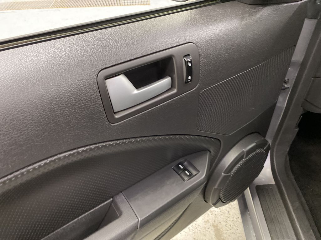 2006 Ford Mustang  Driver's Side Door Controls Photo in Dartmouth NS