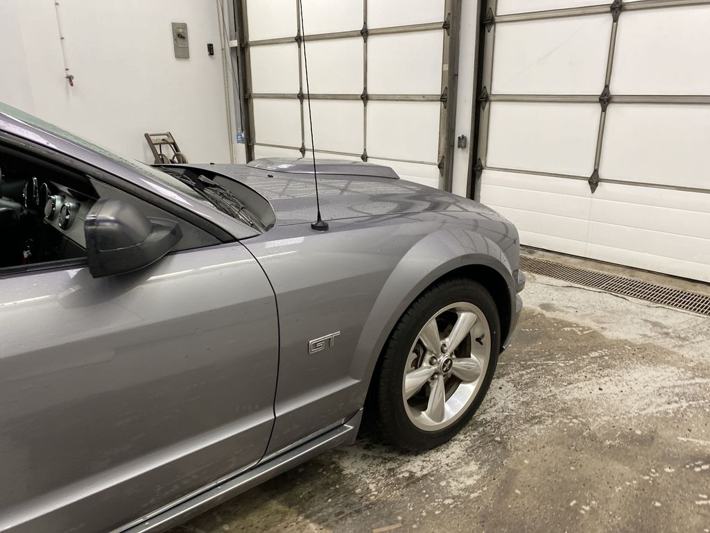 2006 Ford Mustang Right Front Corner Photo in Dartmouth NS