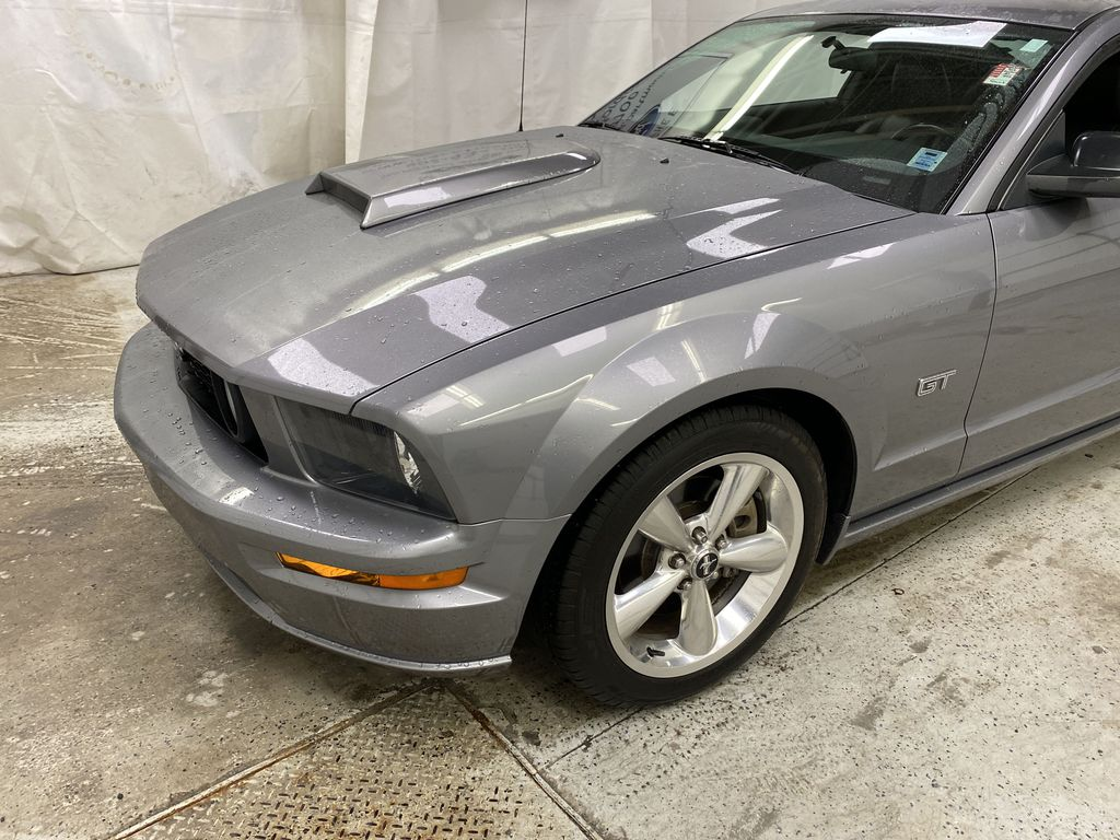 2006 Ford Mustang Left Front Corner Photo in Dartmouth NS
