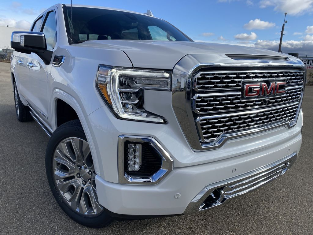 White[White Frost Tricoat] 2021 GMC Sierra 1500 Right Front Corner Photo in Edmonton AB