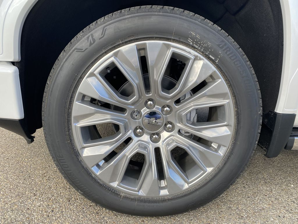 White[White Frost Tricoat] 2021 GMC Sierra 1500 Left Front Rim and Tire Photo in Edmonton AB