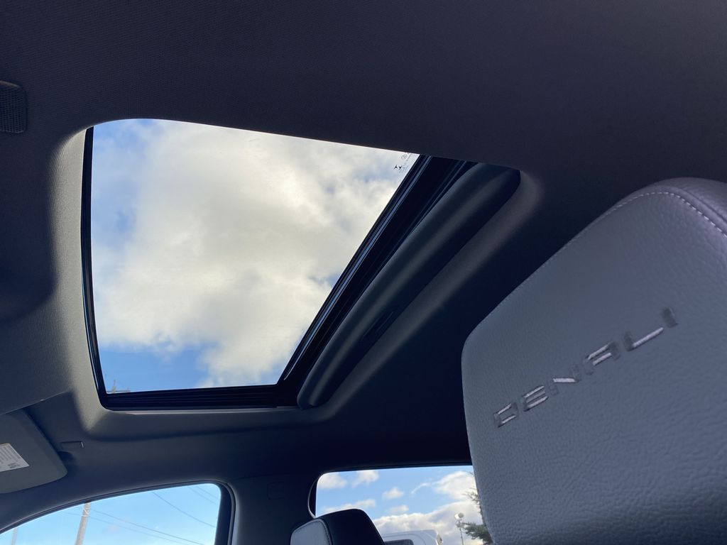 White[White Frost Tricoat] 2021 GMC Sierra 1500 Sunroof Photo in Edmonton AB