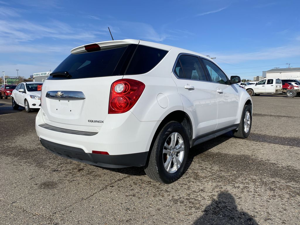 White 2013 Chevrolet Equinox FWD 4dr LS  *Low KMS**MP3 Capability**Cruise Control* Right Rear Corner Photo in Brandon MB