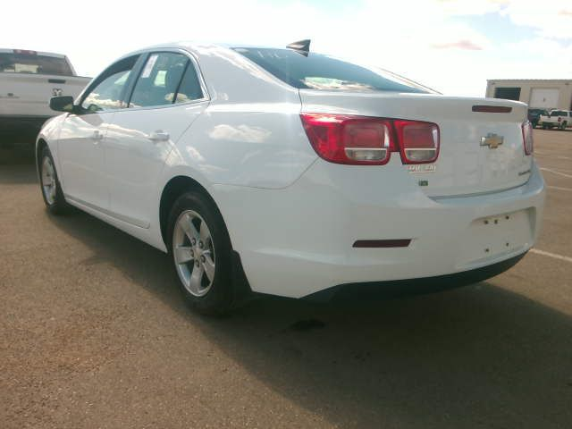 White 2016 Chevrolet Malibu Limited 4dr Sdn LS w/1LS *Bluetooth**Low KMs* Left Rear Corner Photo in Brandon MB