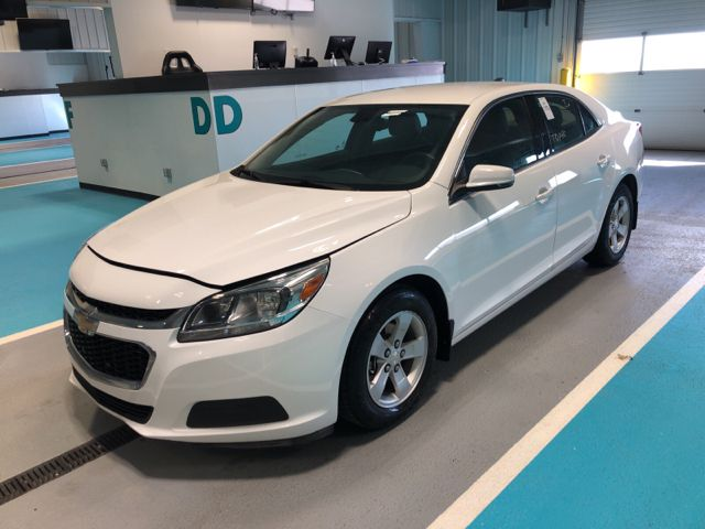 White 2016 Chevrolet Malibu Limited 4dr Sdn LS w/1LS *Bluetooth**Low KMs*
