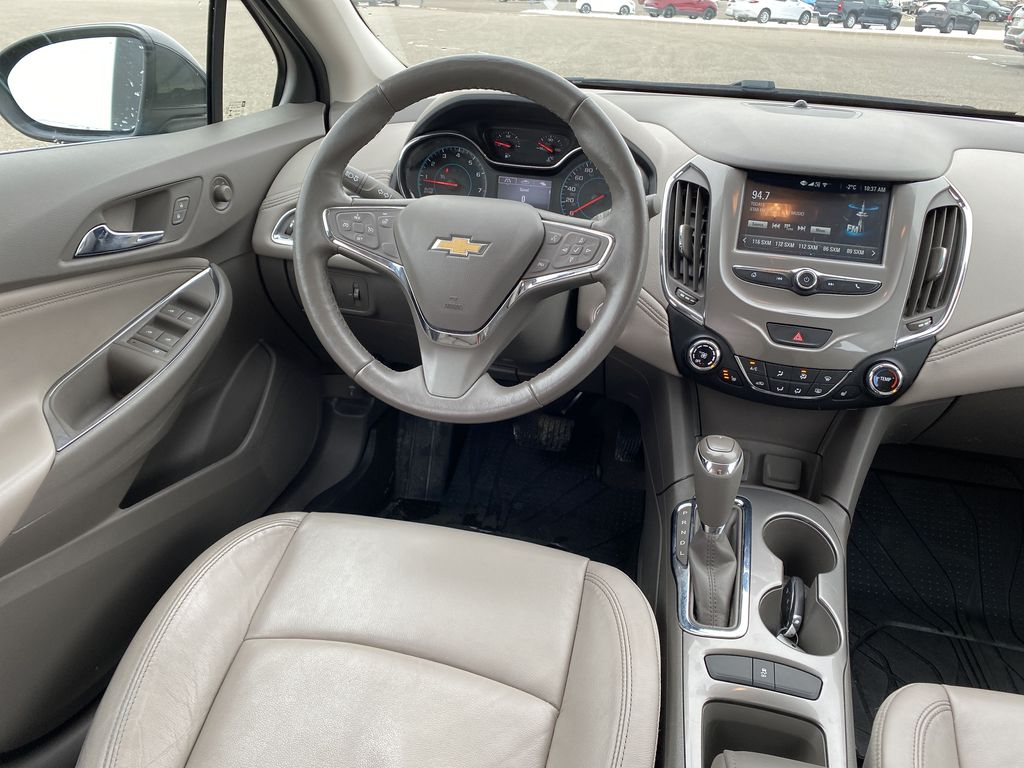 Gray 2018 Chevrolet Cruze 4dr HB 1.4L Premier w/1SF *Back-Up Cam**Heated Seats**Bluetooth* Steering Wheel and Dash Photo in Brandon MB