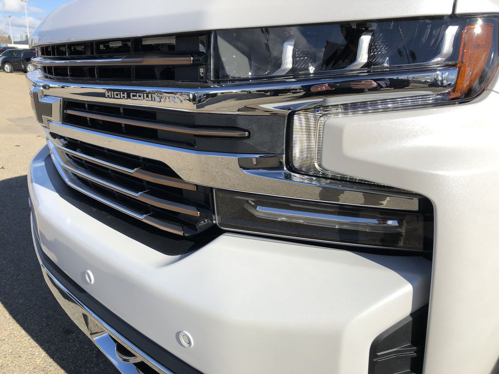 White[Iridescent Pearl Tricoat] 2021 Chevrolet Silverado 1500 Left Front Head Light / Bumper and Grill in Edmonton AB