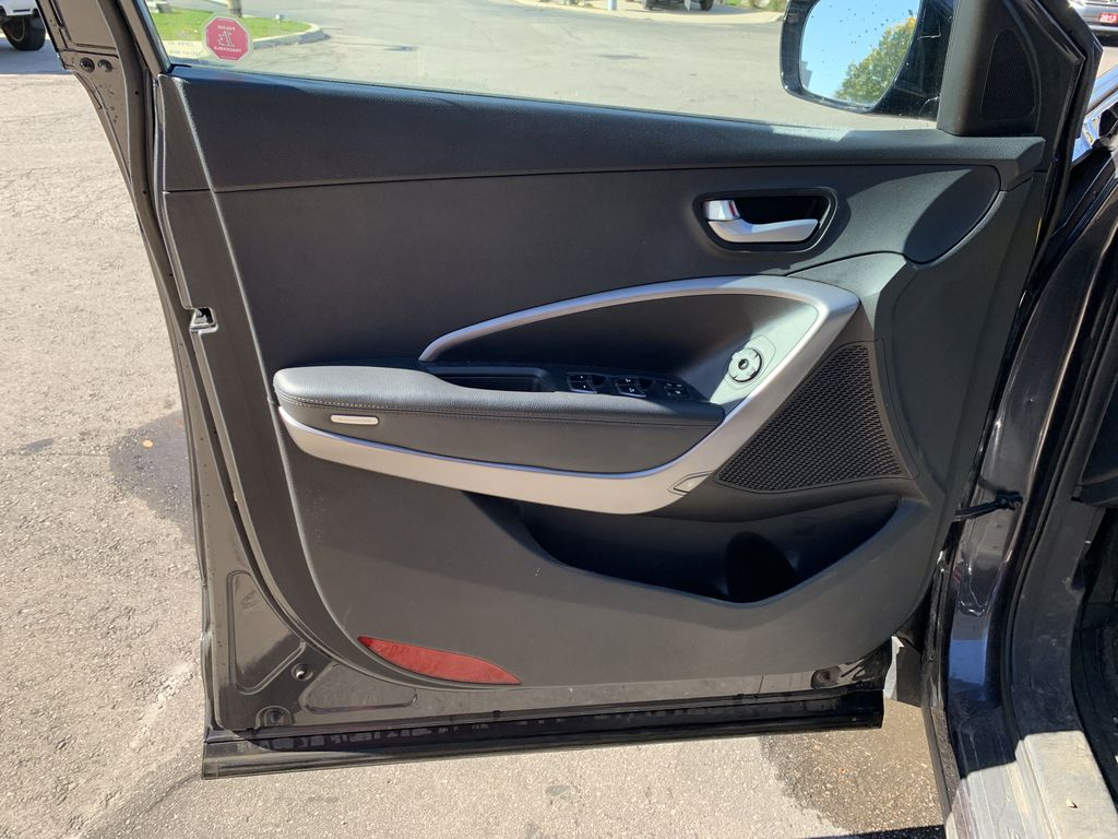 Gray[Platinum Graphite] 2016 Hyundai Santa Fe Sport Left Rear Interior Door Panel Photo in Brampton ON