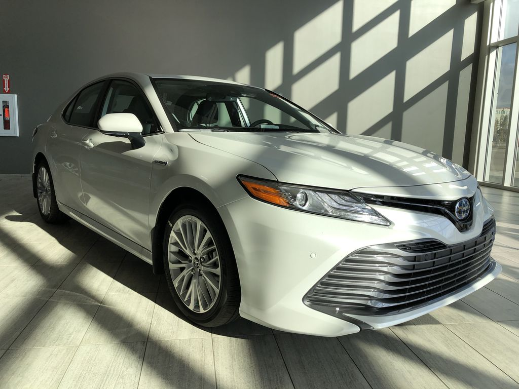 Wind Chill 2020 Toyota Camry Hybrid XLE Left Front Interior Photo in Edmonton AB