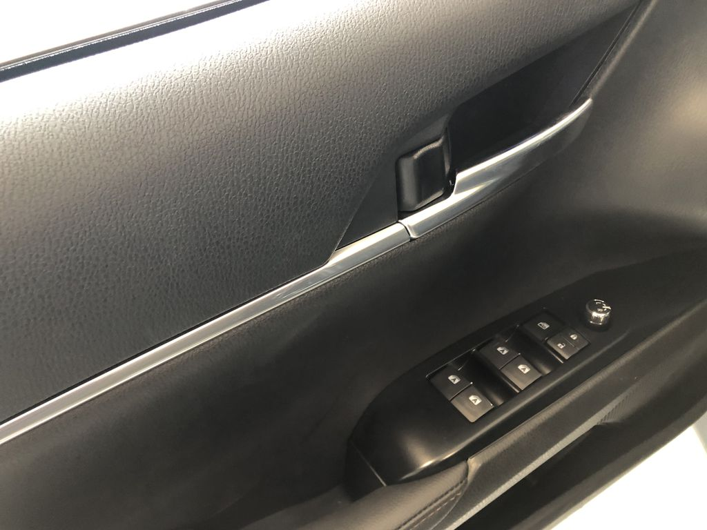 Wind Chill 2020 Toyota Camry Hybrid XLE Fourth Row  Seat  Photo in Edmonton AB