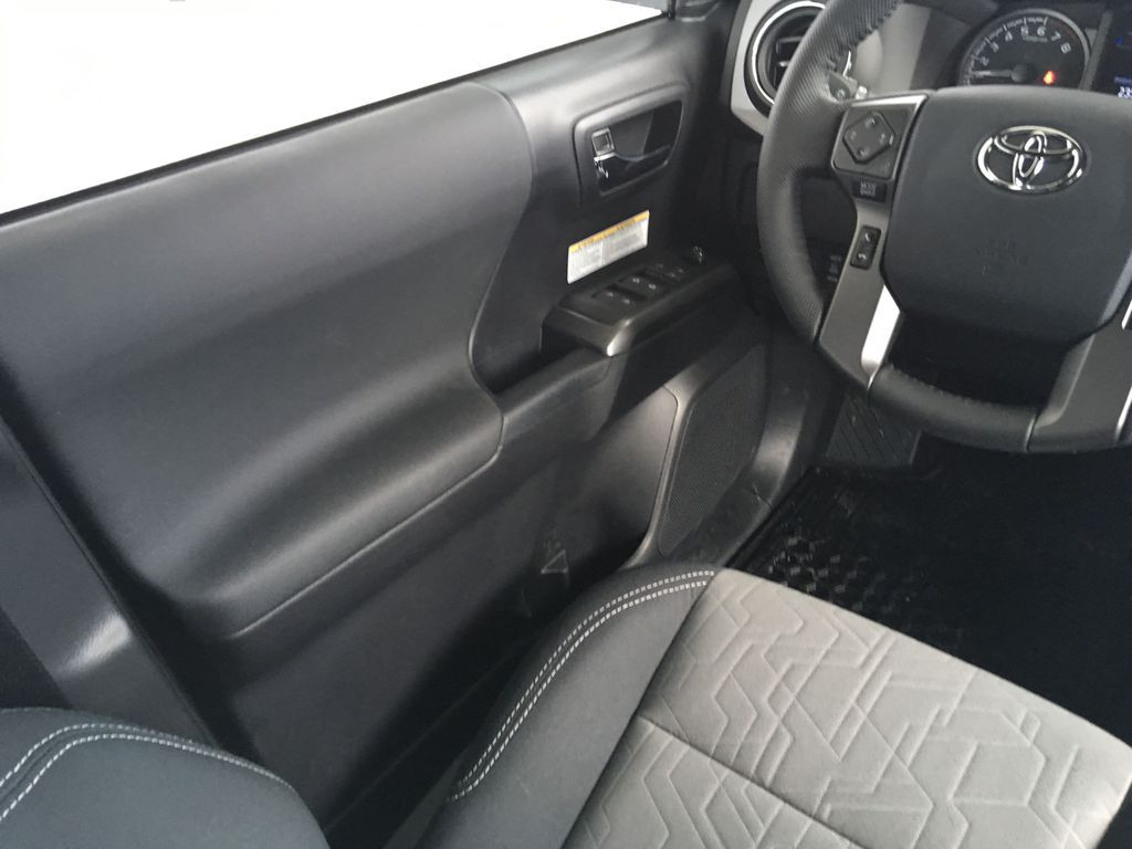 White[Super White] 2020 Toyota Tacoma TRD Off Road Left Front Interior Door Panel Photo in Kelowna BC
