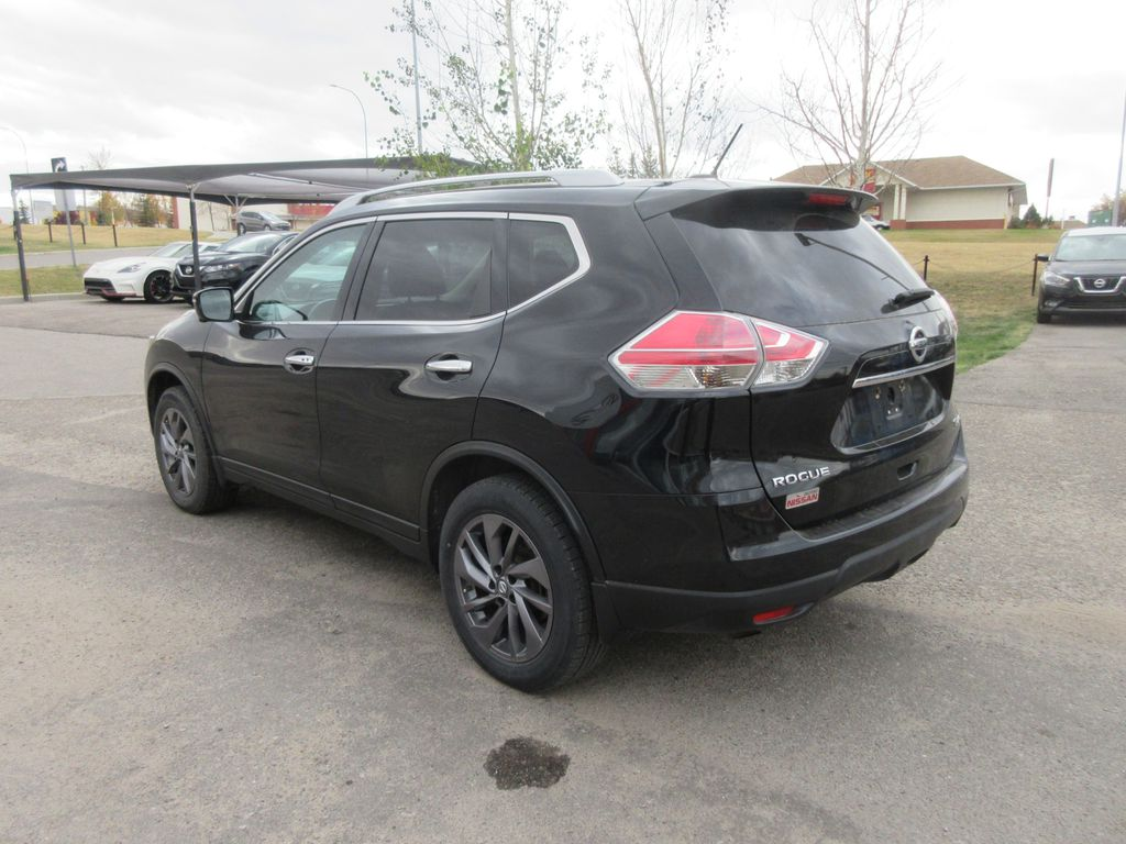 Black[Magnetic Black Metallic] 2016 Nissan Rogue Left Front Head Light / Bumper and Grill in Okotoks AB