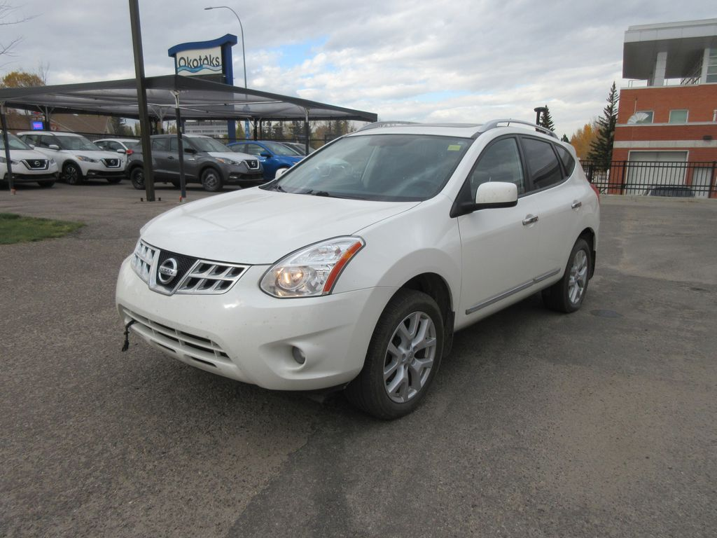 White[Hakone White Pearl] 2012 Nissan Rogue Left Front Rim and Tire Photo in Okotoks AB