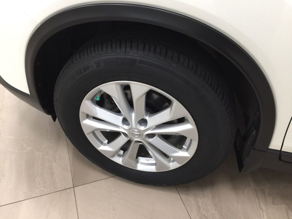 White[Glacier White] 2016 Nissan Rogue SV AWD Left Front Rim and Tire Photo in Sherwood Park AB