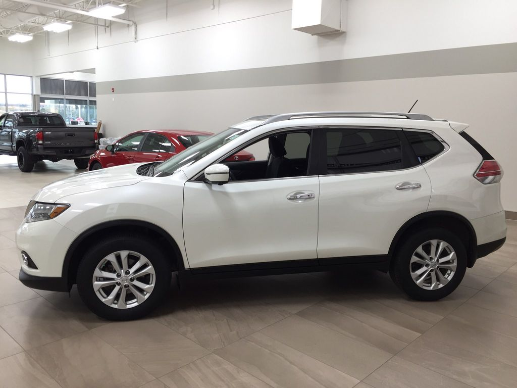 White[Glacier White] 2016 Nissan Rogue SV AWD Left Side Photo in Sherwood Park AB
