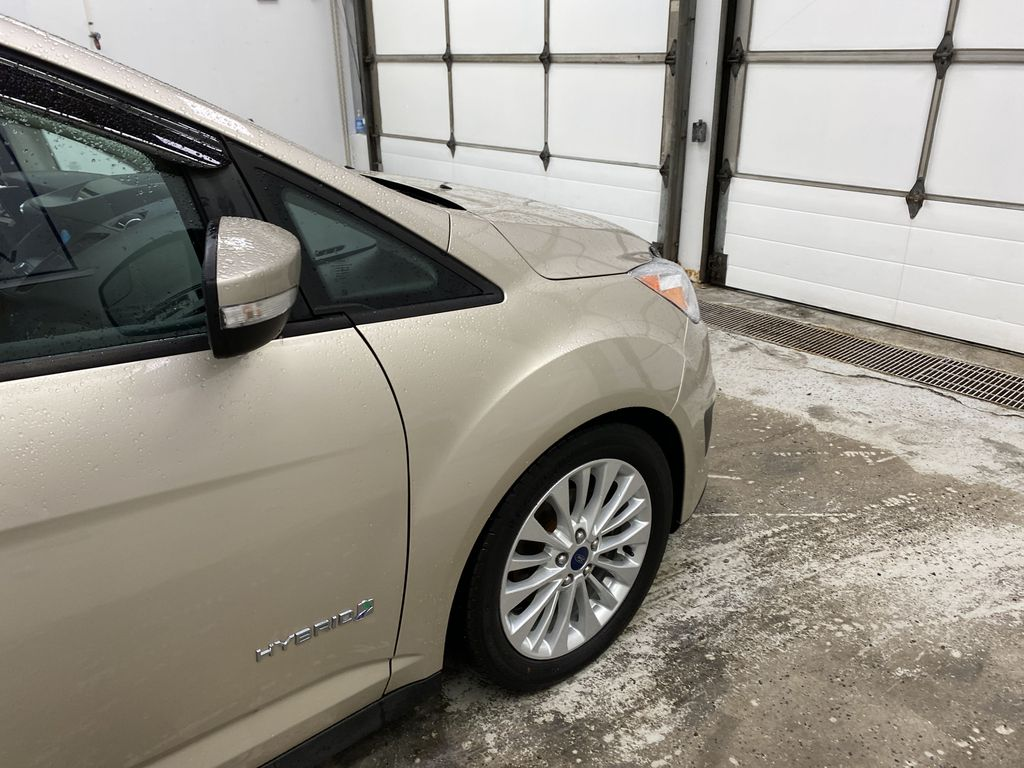 White[Oxford White] 2017 Ford C-Max Hybrid Right Front Corner Photo in Dartmouth NS