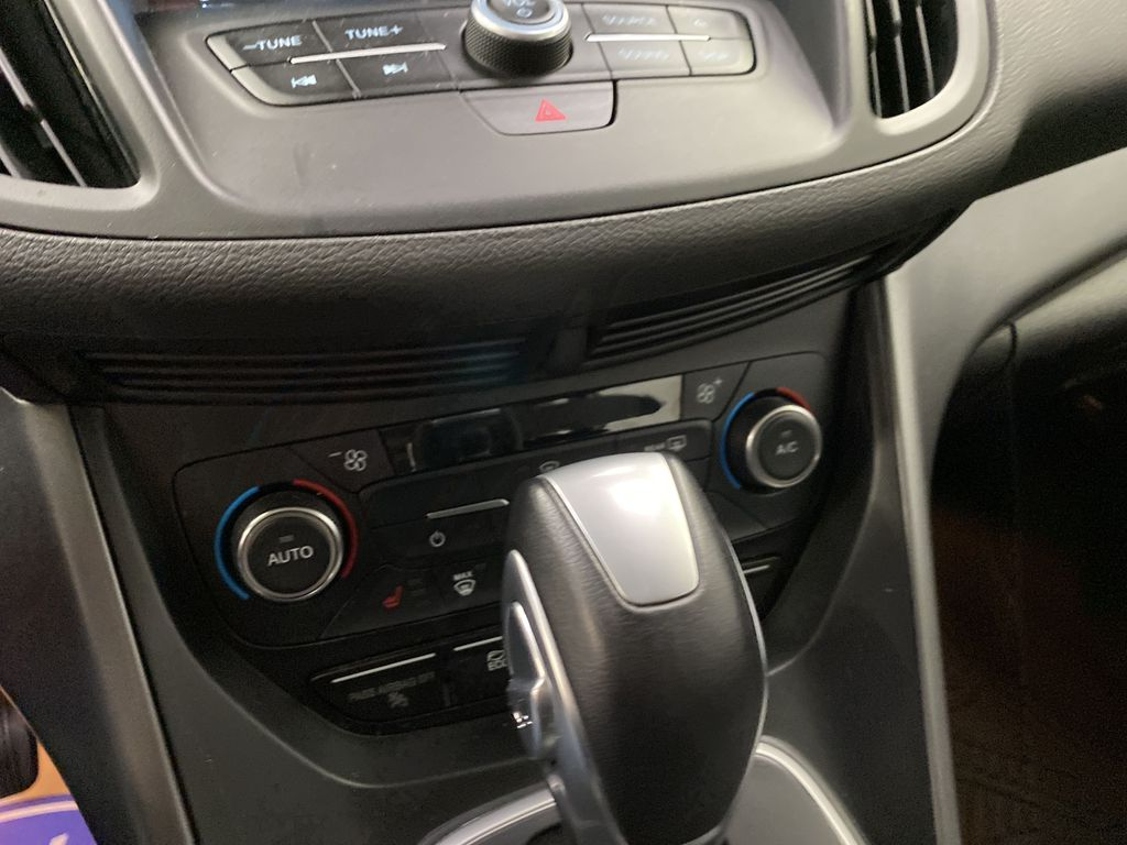 White[Oxford White] 2017 Ford C-Max Hybrid Central Dash Options Photo in Dartmouth NS