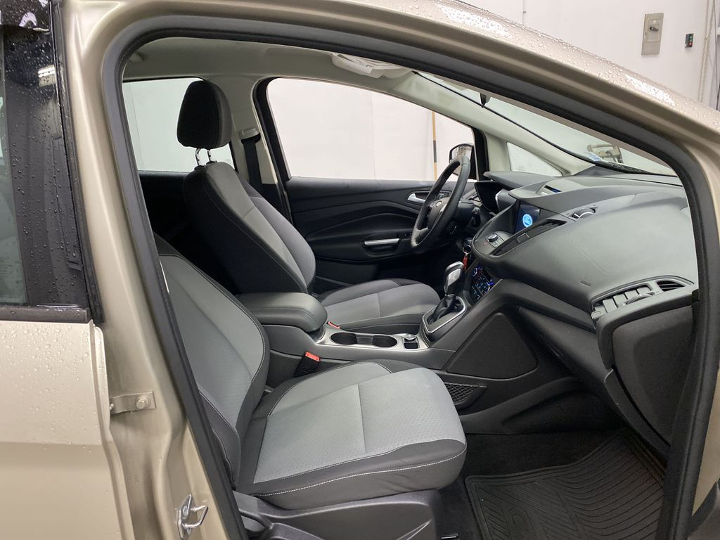 White[Oxford White] 2017 Ford C-Max Hybrid Right Side Front Seat  Photo in Dartmouth NS