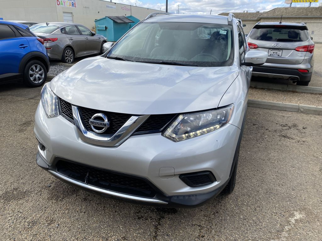 SILVER 2014 Nissan Rogue S AWD - Bluetooth, Backup Cam, Steering Wheel Controls Left Front Corner Photo in Edmonton AB