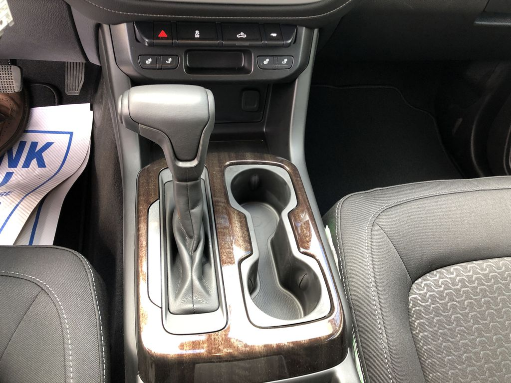 Black[Onyx Black] 2020 GMC Canyon SLE Center Console Photo in Canmore AB