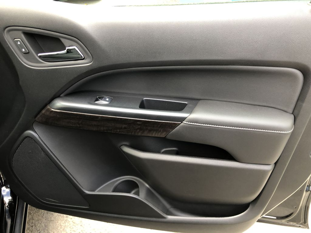 Black[Onyx Black] 2020 GMC Canyon SLE Right Front Interior Door Panel Photo in Canmore AB