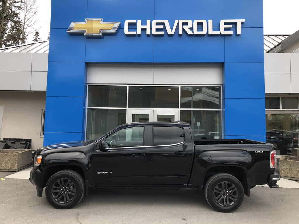 Black[Onyx Black] 2020 GMC Canyon SLE Left Side Photo in Canmore AB