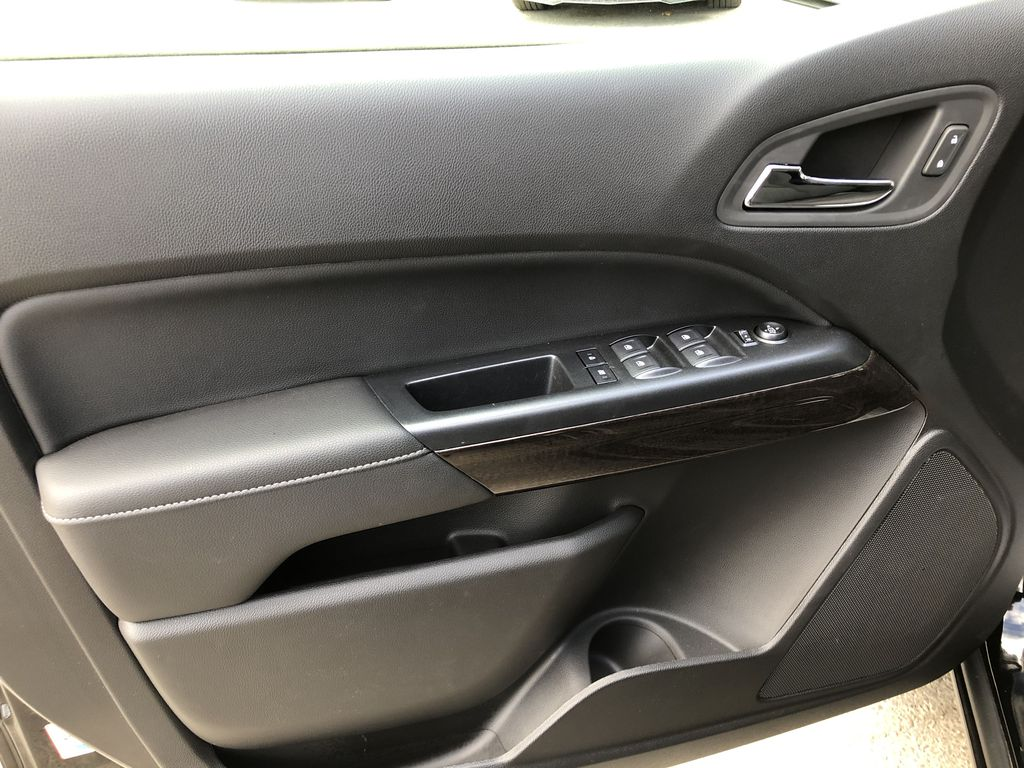 Black[Onyx Black] 2020 GMC Canyon SLE Left Front Interior Door Panel Photo in Canmore AB