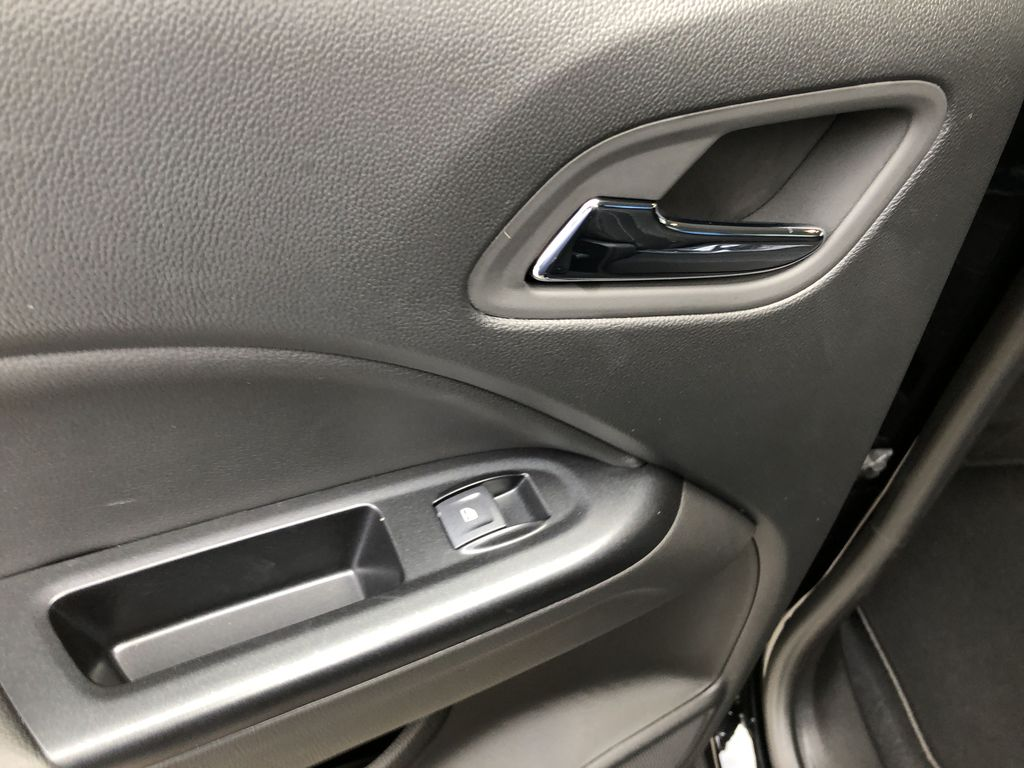 Black[Onyx Black] 2020 GMC Canyon SLE LR Door Panel Ctls Photo in Canmore AB