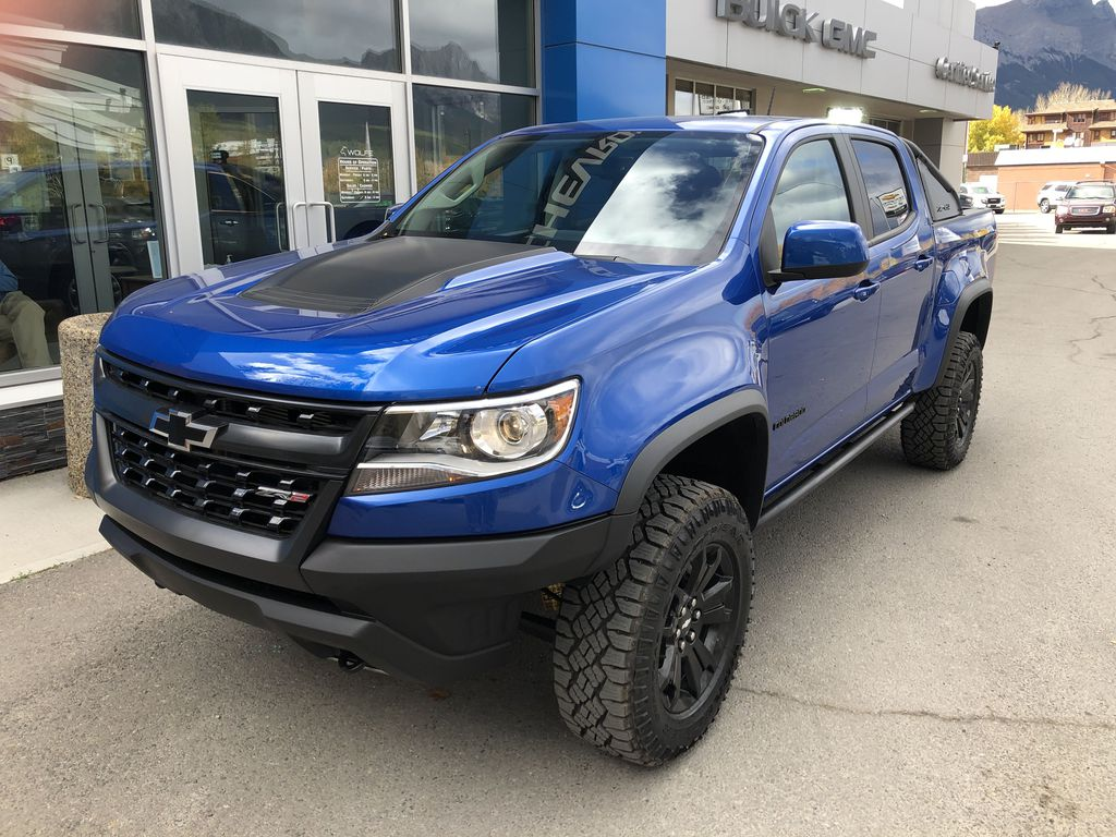 Blue[Kinetic Blue Metallic] 2020 Chevrolet Colorado ZR2 Left Front Corner Photo in Canmore AB