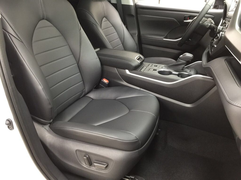 White[Blizzard Pearl] 2021 Toyota Highlander XLE Right Side Front Seat  Photo in Sherwood Park AB