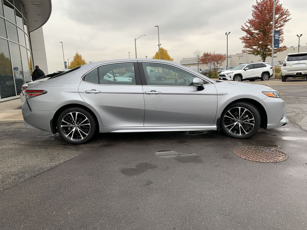 Silver 2019 Toyota Camry Front Vehicle Photo in Brampton ON