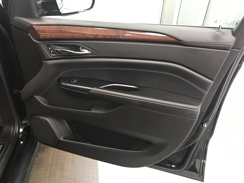 Black 2015 Cadillac SRX Right Rear Corner Photo in Lethbridge AB