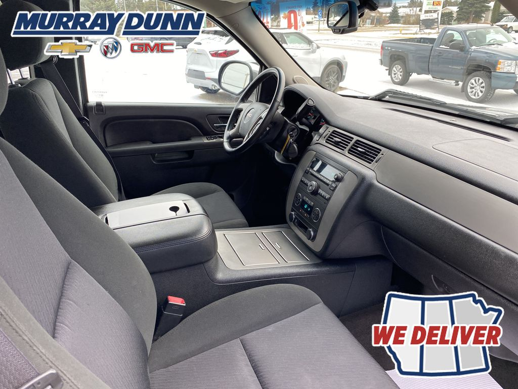 2013 GMC Sierra 1500 Front Right Interior Photo in Nipawin SK