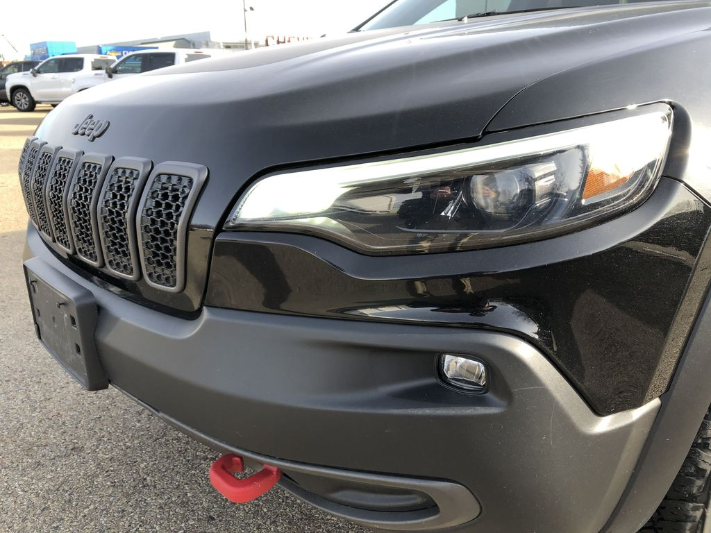 Black[Diamond Black Crystal Pearl] 2020 Jeep Cherokee Left Front Head Light / Bumper and Grill in Edmonton AB