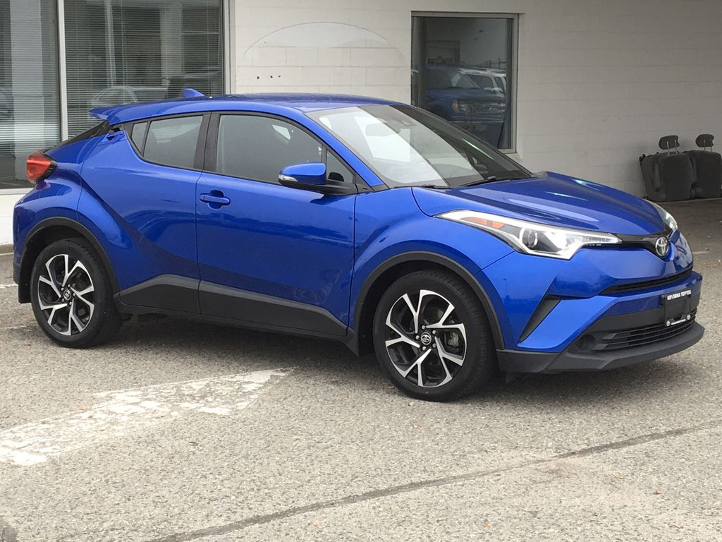 Blue Eclipse Metallic 2018 Toyota C-HR Right Front Corner Photo in Kelowna BC