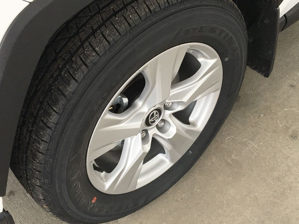White[Super White] 2021 Toyota RAV4 XLE Left Front Rim and Tire Photo in Kelowna BC