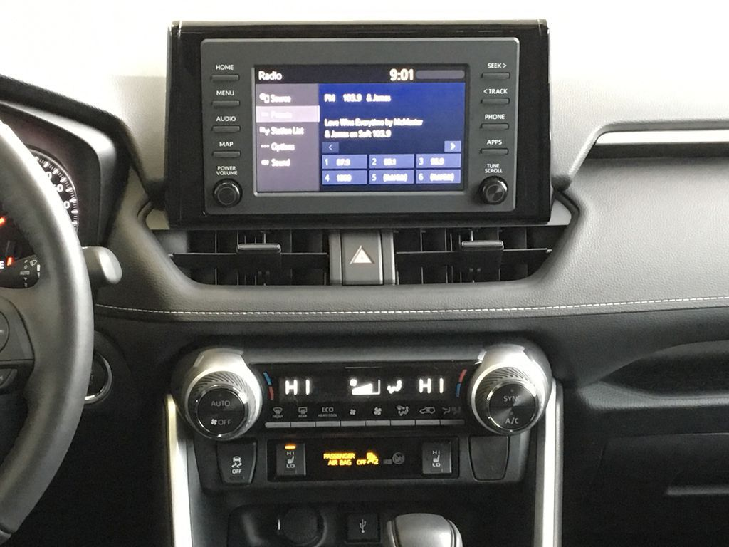 White[Super White] 2021 Toyota RAV4 XLE Central Dash Options Photo in Kelowna BC