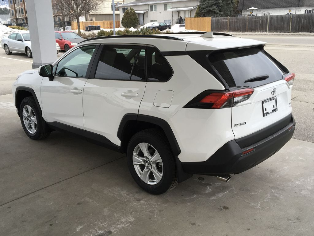 White[Super White] 2021 Toyota RAV4 XLE Left Rear Corner Photo in Kelowna BC