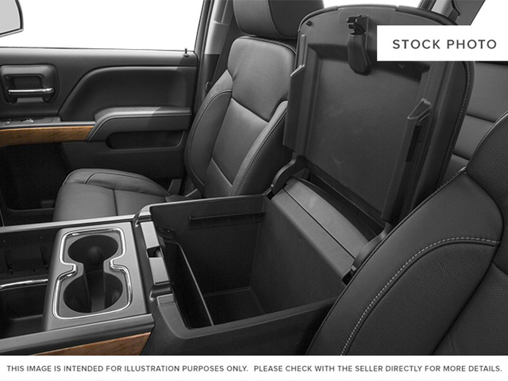 2014 Chevrolet Silverado 1500 Center Console Photo in Medicine Hat AB