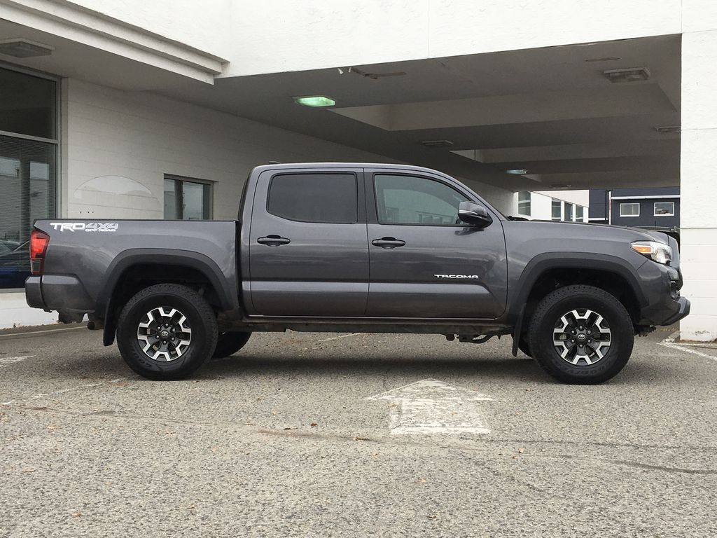 Gray[Cement Grey Metallic] 2018 Toyota Tacoma TRD Off Road Right Side Photo in Kelowna BC